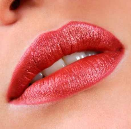 Эротические свойства красной помады