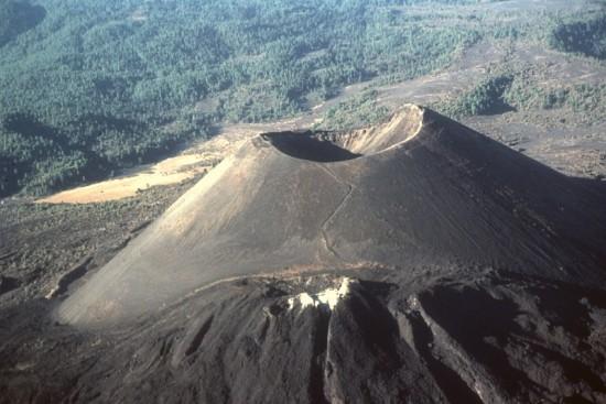 В 1943-ем году в Мексике произошло извержение вулкана из помойки