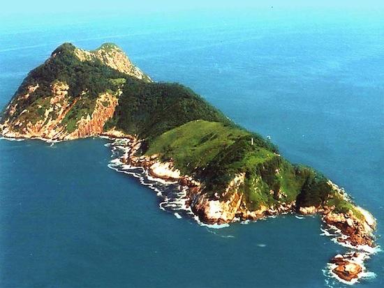 6 самых страшных островов