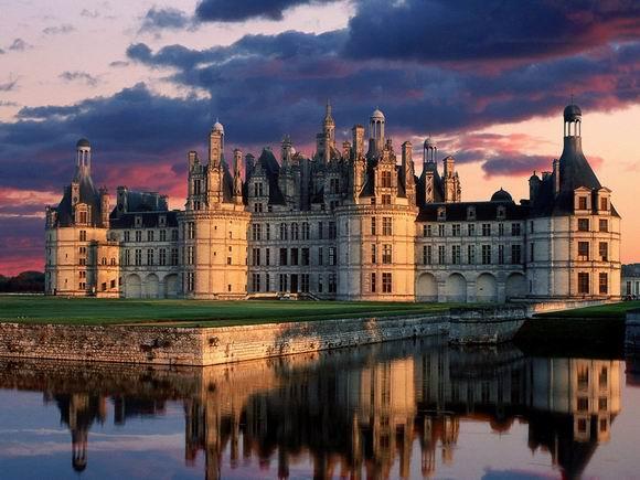 10 интересных фактов про замки