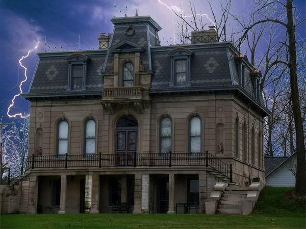 10 самых известных домов с привидениями