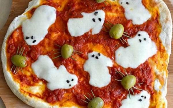 Пицца с изображением приведений с