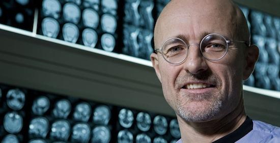 Итальянский нейрохирург утверждает, что смог осуществить пересадку головы