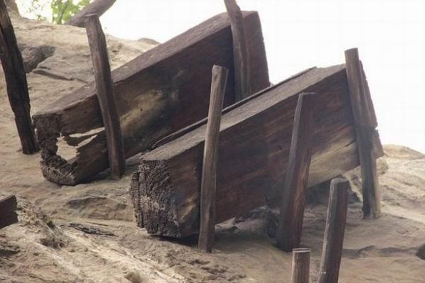 Исчезнувший народ «Бо» и висячие гробы