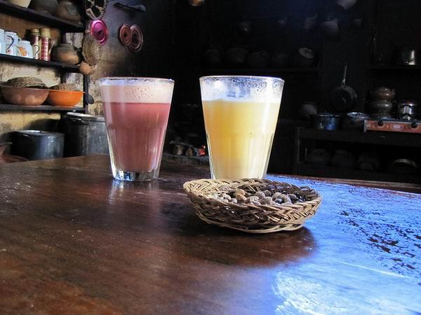 Блюда и напитки, которые готовят с ингредиентами из человеческого тела