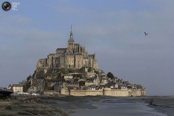 «Прилив века» у берегов Франции