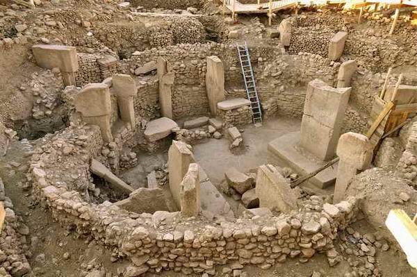 10 самых странных древних артефактов, происхождение которых никто не может объяснить